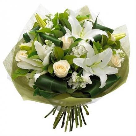 Μπουκέτο Τριαντάφυλλα Οριεντάλ λευκά (μόνο για Ελλάδα)