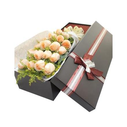 18 cream roses (CHN)