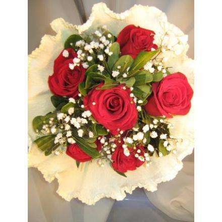 6  κόκκινα τριαντάφυλλα... I LOVE YOU