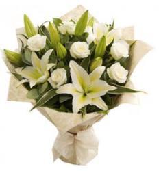 Μπουκέτο White Roses, White Lilies